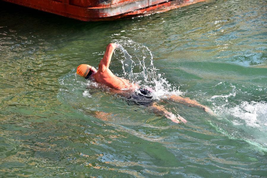 湿地冬泳大赛(十二月初)