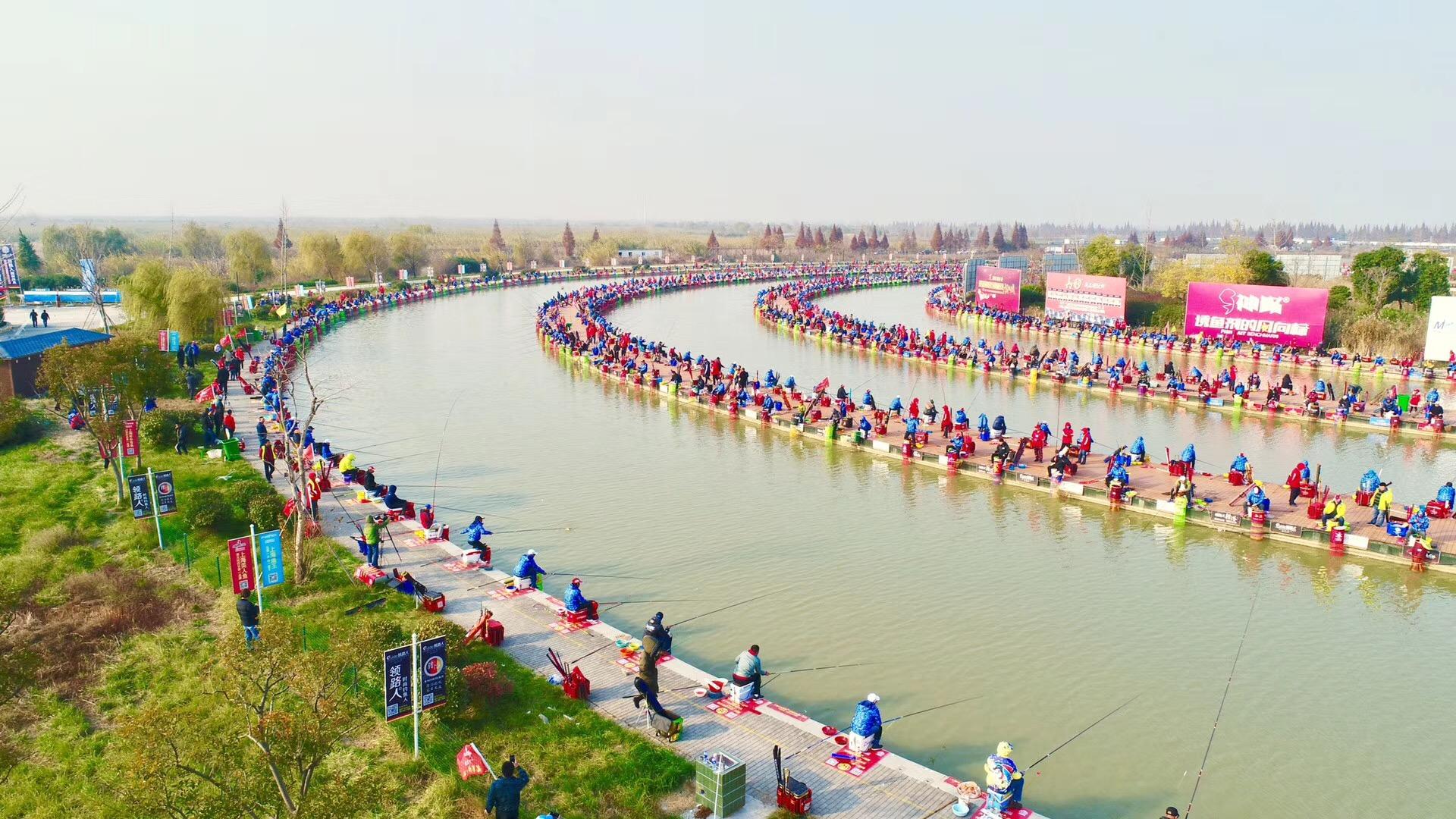 泗洪洪泽湖湿地大圆塘上演争金赛  1800余名垂钓选手竞逐百万大奖